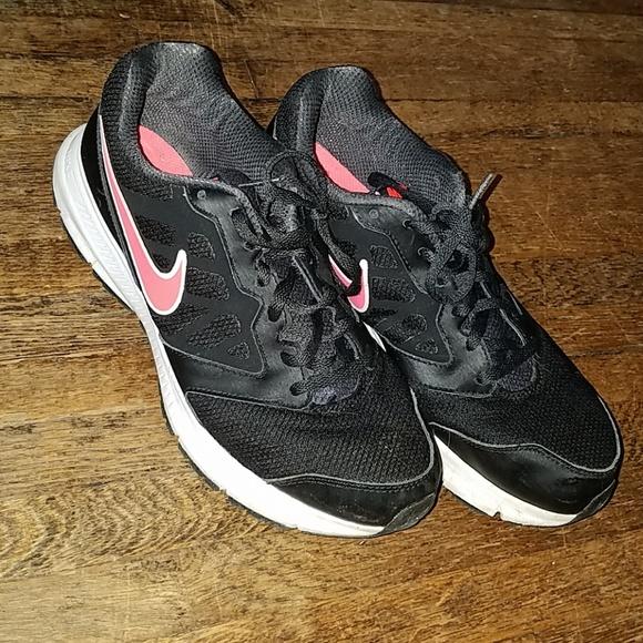 Nike Downshifter 6 size 11. M 5b3fd0300cb5aa820d5d6257 8d9293b97